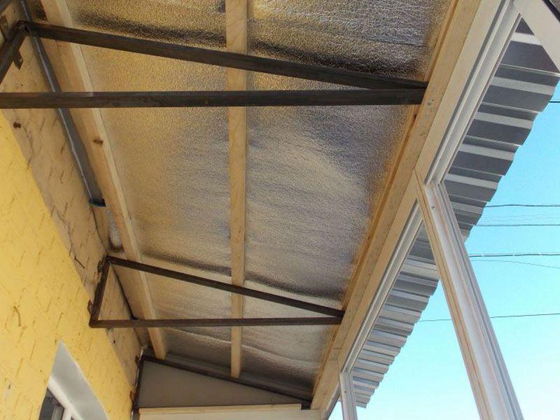 Крыша на балконе: типы конструкций и советы по установке.